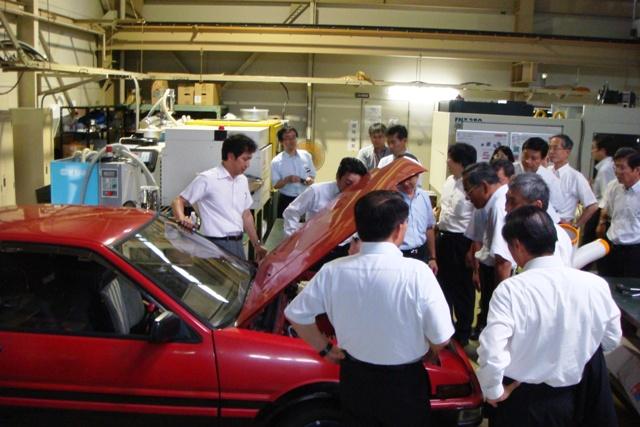 学生製作電気自動車