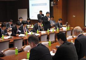 挨拶を行う韓国側代表者